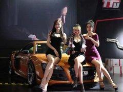 上海CAS改装车展上的美女图片